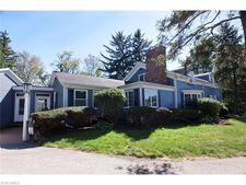 17259 Chillicothe Rd, Chagrin Falls, OH 44023