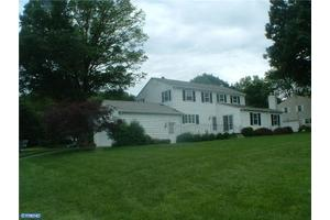 20 Farm Rd, Ewing, NJ