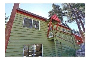 31786 Christmas Tree Ln, Running Springs Area, CA 92382