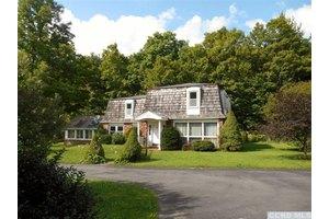 173 Spruceton Rd, Westkill, NY 12492