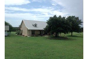 68 County Road 436, Harwood, TX 78632