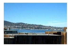125 Surf Way Apt 334, Monterey, CA 93940