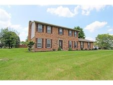 7893 Chantilly Dr, West Chester, OH 45069