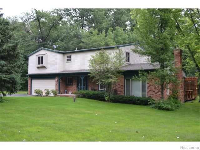3910 center rd highland township mi 48357 home for sale and real estate listing