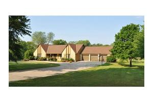 9620 Timber Meadow Dr, Lee's Summit, MO 64086