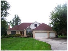 311 Miner Rd, Highland Heights, OH 44143