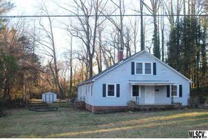 1059 5th Ave NW, Hickory, NC 28601
