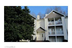 2328 W Vandalia Rd Unit L, Greensboro, NC 27407