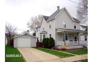 835 W Homer St, Freeport, IL 61032