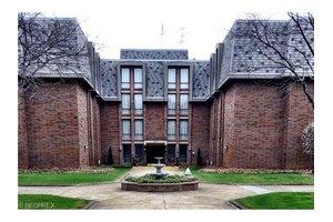 2375 Covington Rd Apt 412, Akron, OH 44313