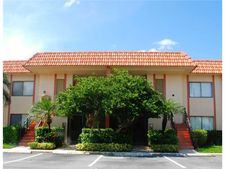369 Lakeview Dr Apt 105, Weston, FL 33326
