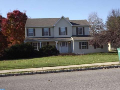 6 Long Acre Dr, Cream Ridge, NJ 08514