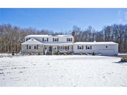 11 Wieting Rd, New Milford, CT 06776