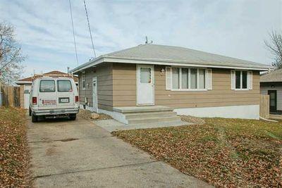 1304 E Thornton Ave, Des Moines, IA