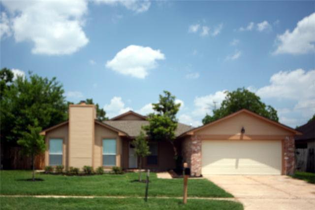 10606 Lofty Pines Dr Houston, TX 77065