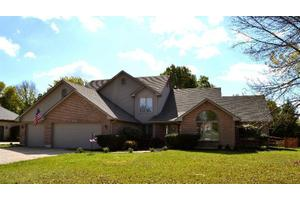 3901 Maple Grove Ln, Beavercreek, OH 45440