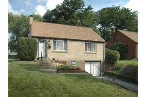 654 Sara Ln, Penn Hills, PA 15147