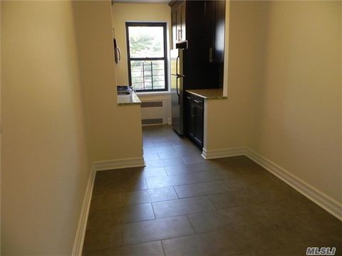 160 S Middle Neck Rd Apt 3 K, Great Neck, NY 11021