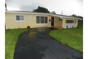 7411 Tropicana St, Miramar, FL 33023