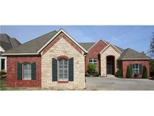 4805 Lake Front Dr, Norman, OK 73072