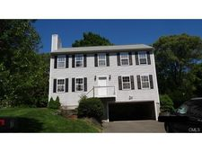 7 Brunswick Rd, Shelton, CT 06484
