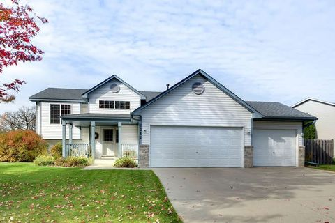 1052 Meadow St, Cologne, MN 55322