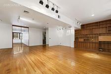 176 Broadway Apt 9D, New York City, NY 10038