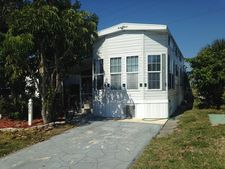 300 Galaxy Ln, Melbourne Beach, FL 32951