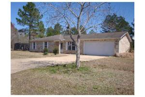 8921 Michael Dr, Moss Point, MS 39562