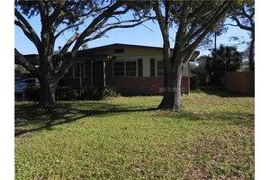 6701 Kingswood Dr N, St Petersburg, FL 33702