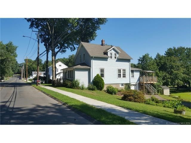 1380 Cutspring Rd, Stratford, CT 06614