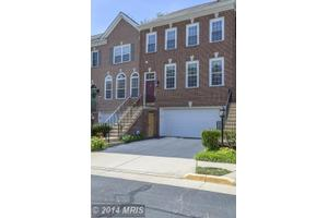 5662 Governors Pond Cir, Alexandria, VA 22310