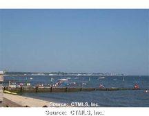 33 Beach Rd W, Old Saybrook, CT 06475