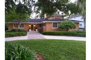 814 Alhambra Dr S, Jacksonville, FL 32207