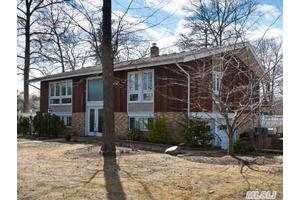 Photo of 50 Jerome St,Smithtown, NY 11787