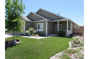 668 Canary Cir, Fernley, NV 89408