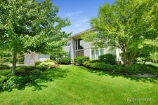 785 Tour Ct, Riverwoods, IL 60015