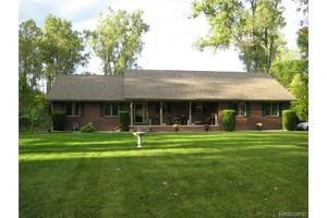 22069 Inkster Rd, Brownstown Twp, MI 48174