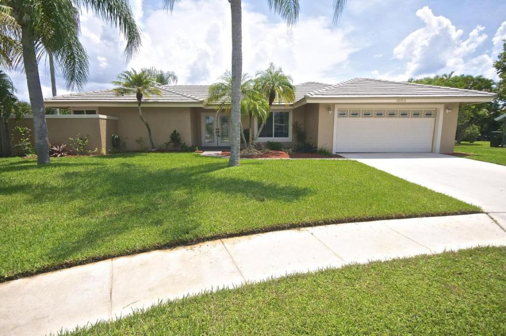 1855 Lotus Ln Wellington, FL 33414