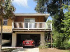 4004 6th Ave Apt 4, Holmes Beach, FL 34217