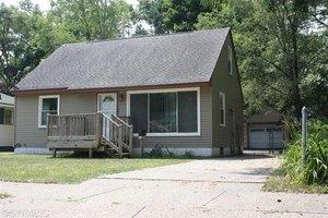 1365 Calvin Ave, Muskegon, MI 49442