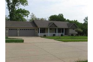 5 Wild West Ct, Le Claire, IA 52753