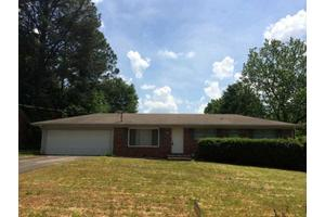 3267 Betty Cir, Decatur, GA 30032