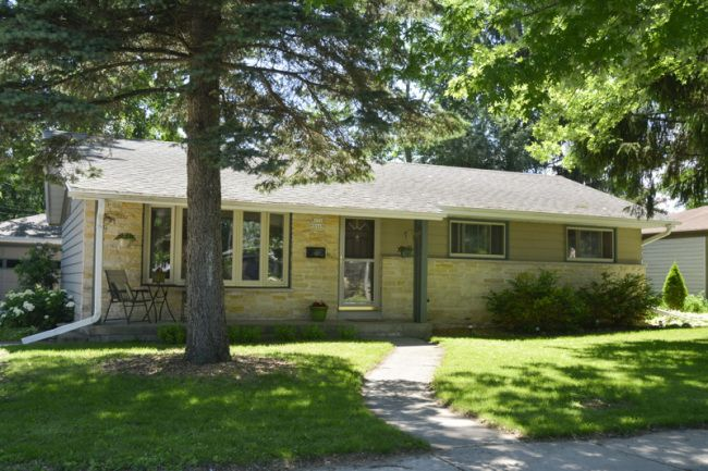 Reduced 50k Expansive Ranch Home With 5 Car Garage: W171 N8448 Allen Ave, Menomonee Falls, WI 53051