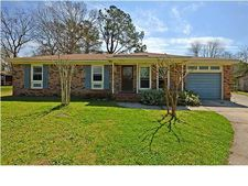 108 Colonial Dr, Goose Creek, SC 29445