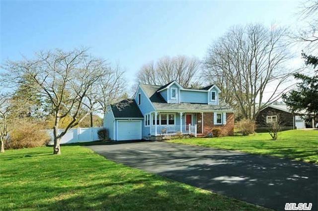 East Patchogue, NY 11772
