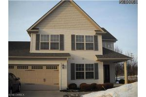 326 Lake Breeze Cv, Eastlake, OH 44095