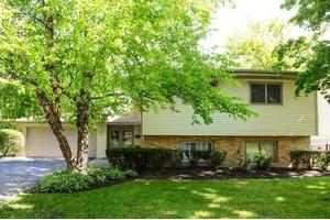 122 Mulberry Rd, Deerfield, IL 60015
