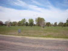 1607 Arnold Palmer Ln, Elk Point, SD 57025