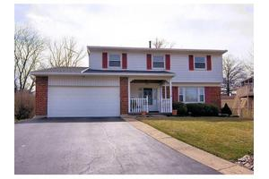 1009 Ironstone Dr, Forest Park, OH 45240